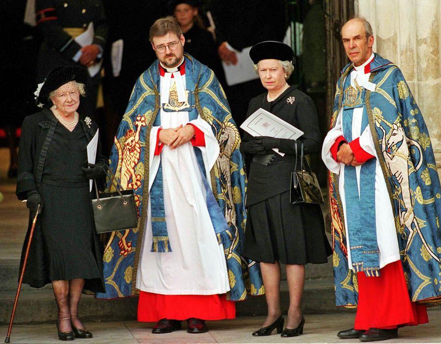 Queen Mother and Queen Elizabeth II together in pictures