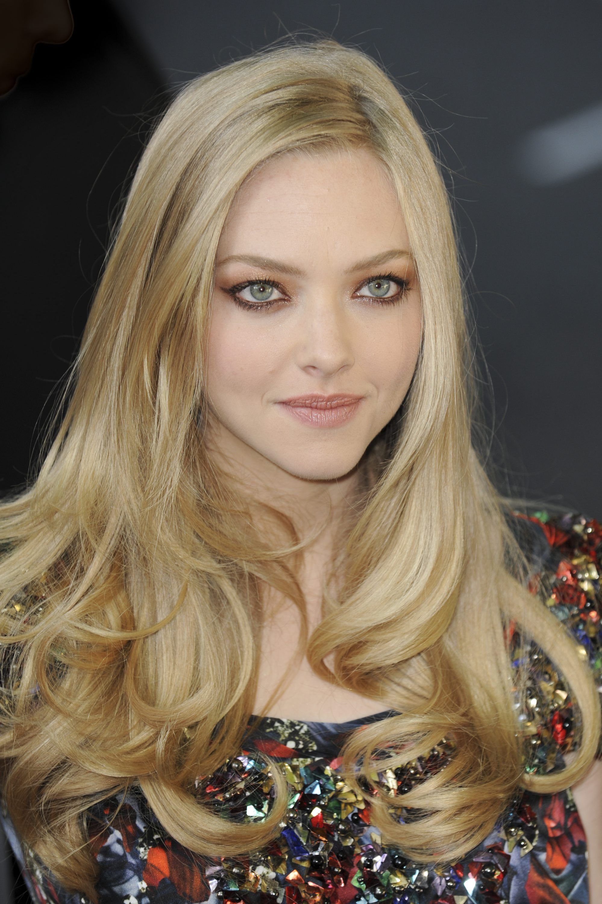 blonde Amanda hair seyfried