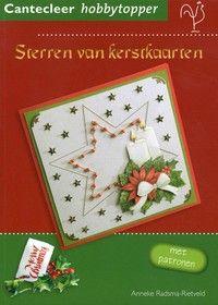 Sterren van kerstkaarten.  Ideeën voor kerstkaarten met geborduurde sterren van kralen rond een 3D-figuur, afgewerkt met stickers en lintjes.