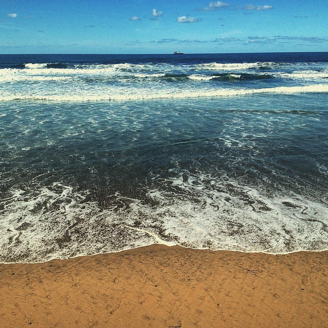 En la playa. At the beach. #Salinas #asturias #españa #sea #olas #waves #mar #spain