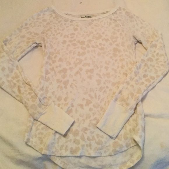 AE long sleeve Longsleeve waffle knit T-shirt with cream and tan cheetah print American Eagle Outfitters Tops Tees - Long Sleeve