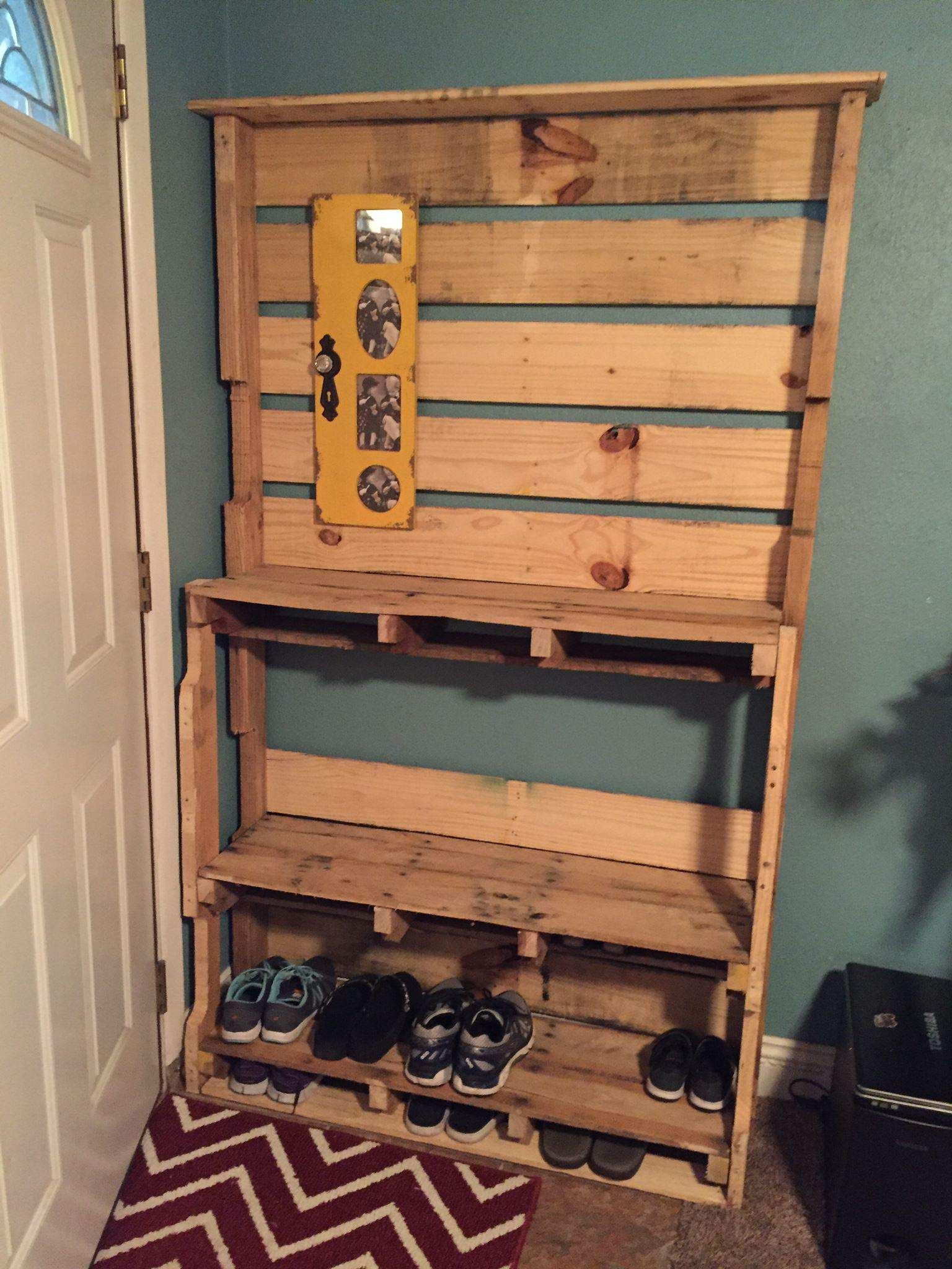 diy pallet shoe rack. behind the door shoe rack with a shelf and place to hang keys, etc diy pallet