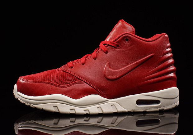 f7742a891 NIKE ENTERTAINER 1