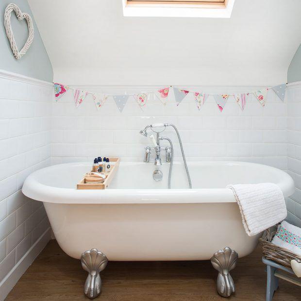 Narrow bathroom with space for a claw-foot bathtub | Bathroom ideas ...