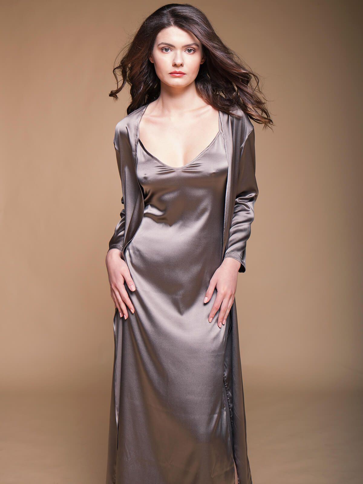 этой вики красивые шелковые платья фото превращения гадкого