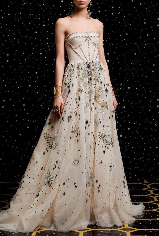 Georges Hobeika fall 2018 rtw | Gorgeous Gowns | Pinterest | Gowns ...