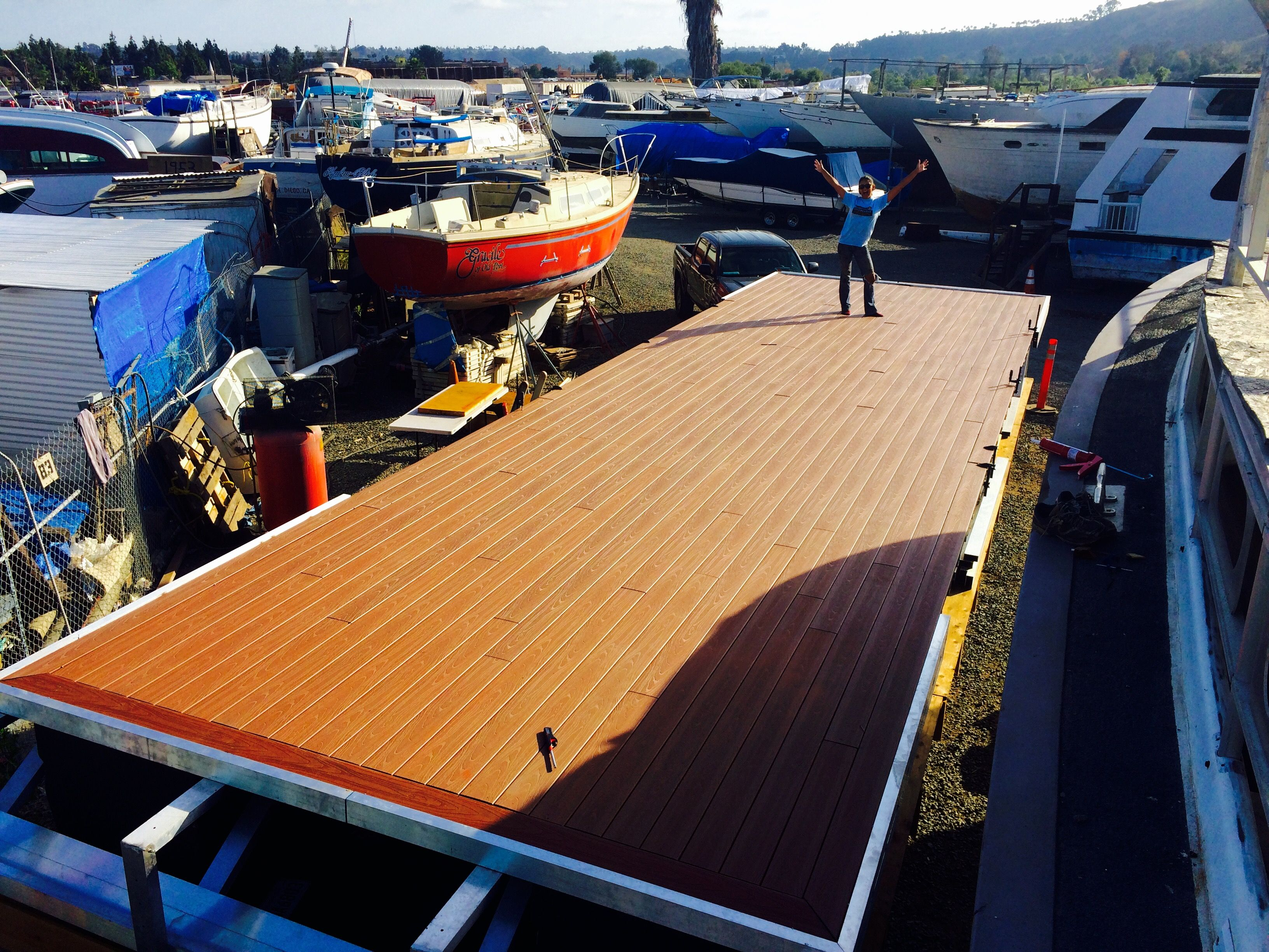Composite Decking All Finished Www Sandiegopontoon Com San Diego Pontoon Boat Rental Pontoon Boat Pontoon Composite Decking