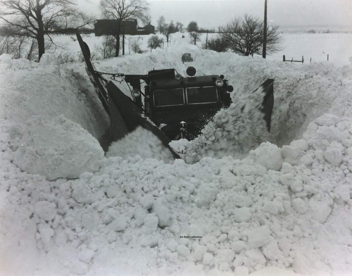 Pin By Andrew Duvell On Snowploughs Snow Plow Truck Plow Truck Snow Removal Equipment