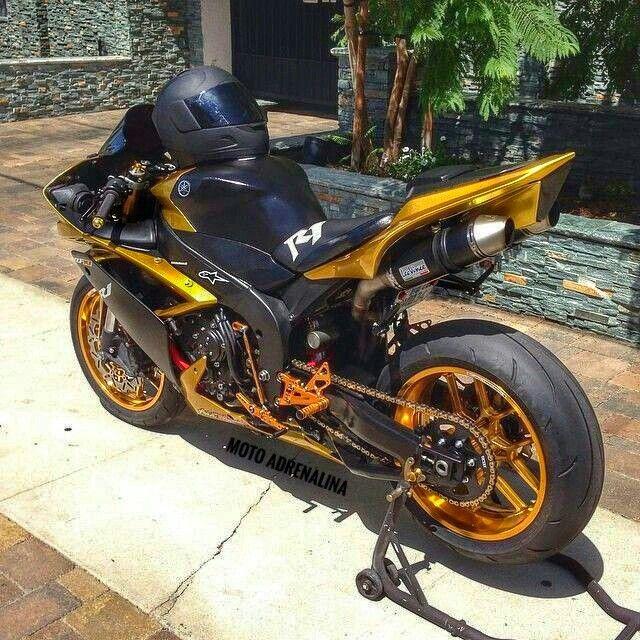Pin di Moto Adrenalina (FB Page) su AdrenalinBikes (con