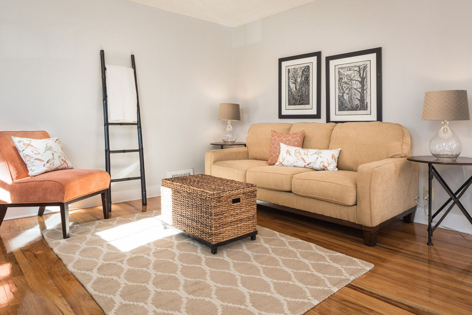Living room Brown laminate flooring, Oak laminate
