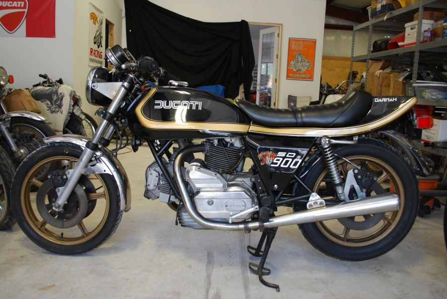 This 1977 Ducati Darmah 900 Desmo