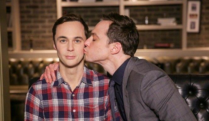 'Big Bang Theory' Star Jim Parsons meets his Wax figure