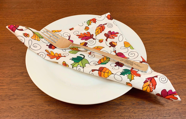 Maple Leaf Cloth Napkins - cotton napkin gift set with maple leaves - Canadian eco zero waste holiday gifts - four 8 mitre napkins - Canada #clothnapkins