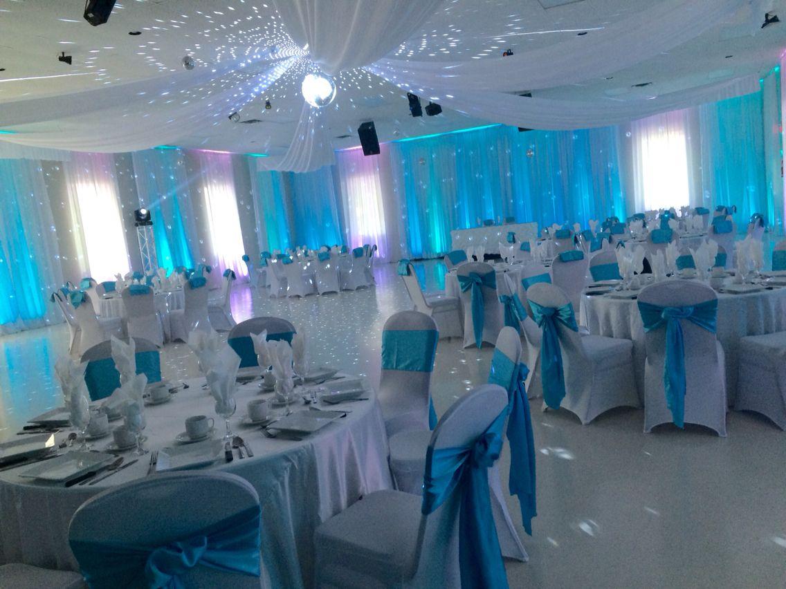 Salle de r ception pour mariage couleur bleu et blanc for Deco bleu turquoise et blanc