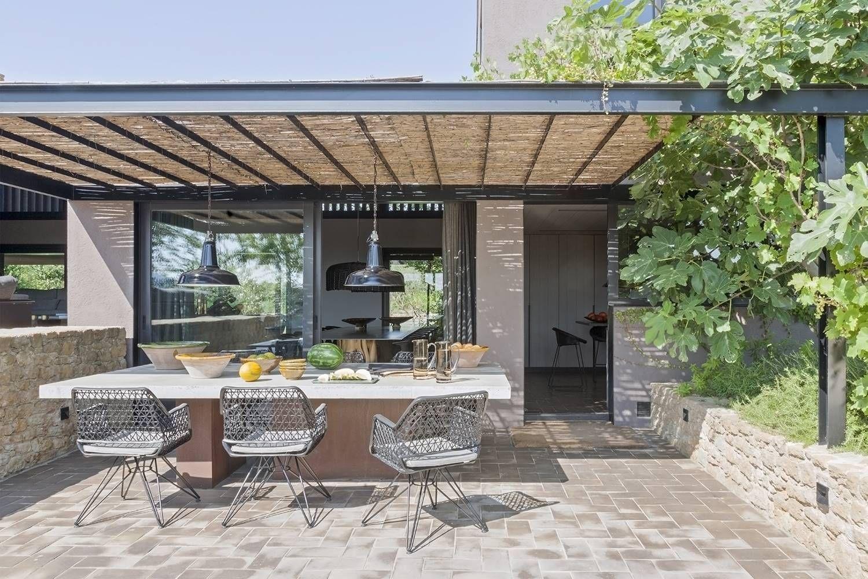 Une immense maison contemporaine à l'esprit rustique chic ...