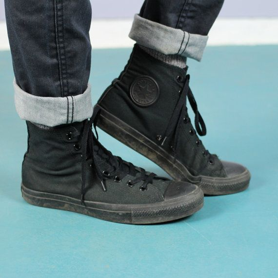 9c2617bbe775 converse all star black on feet