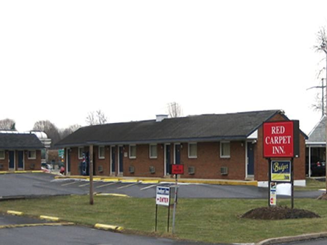 Guest At Red Carpet Inn Allentown Can Walk To Pa Expo