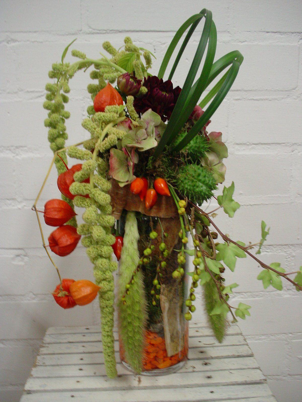 Ikebana | Corporate flowers, Flower arrangements, Flower ...