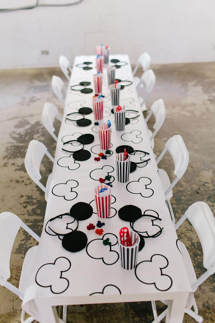 Rad S Modern Mickey Mouse Birthday Party The Alison Show Mickey