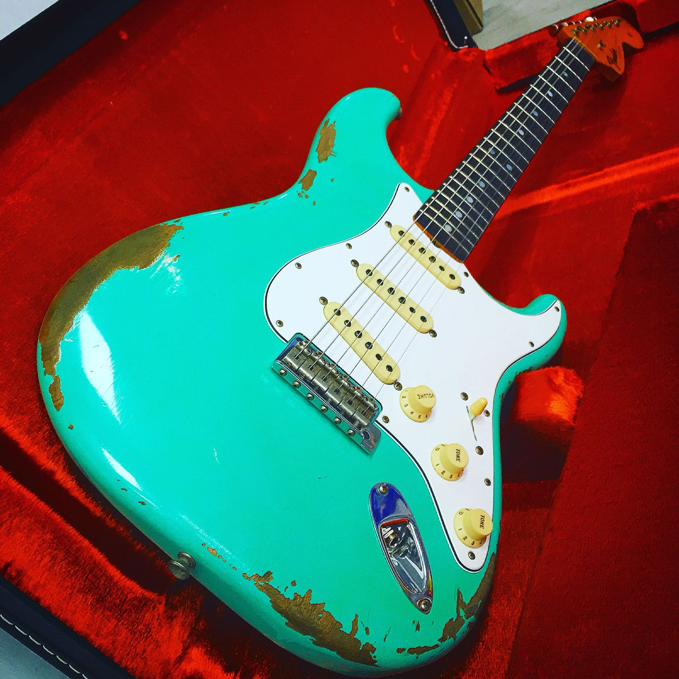 fender heavy relic 1967 stratocaster in sea foam green guitars fender custom shop fender. Black Bedroom Furniture Sets. Home Design Ideas