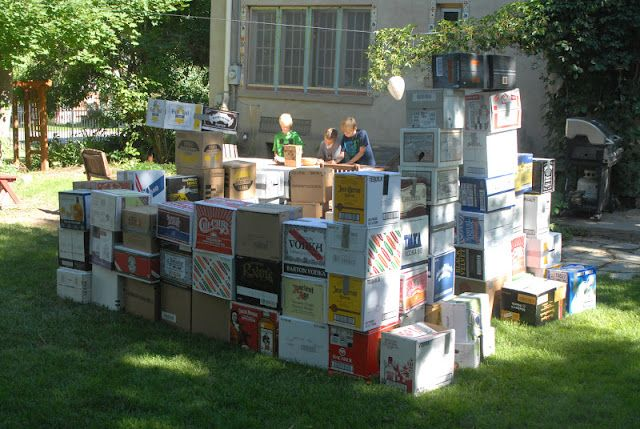 Mamabyrd: How to throw a minecraft birthday party. Large scale building, get booze boxes