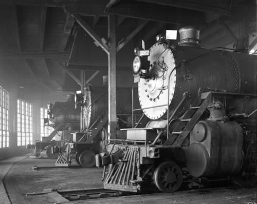 Great Northern Roundhouse In St Cloud Mn Around 1940 Stearns County Historical Society Great Northern Railroad Steam Trains Train