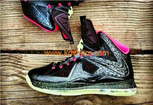 nouveaux styles b9b4b e8b74 Nike LeBron X Homme Project Yeezy Blink Inspired Custom for ...