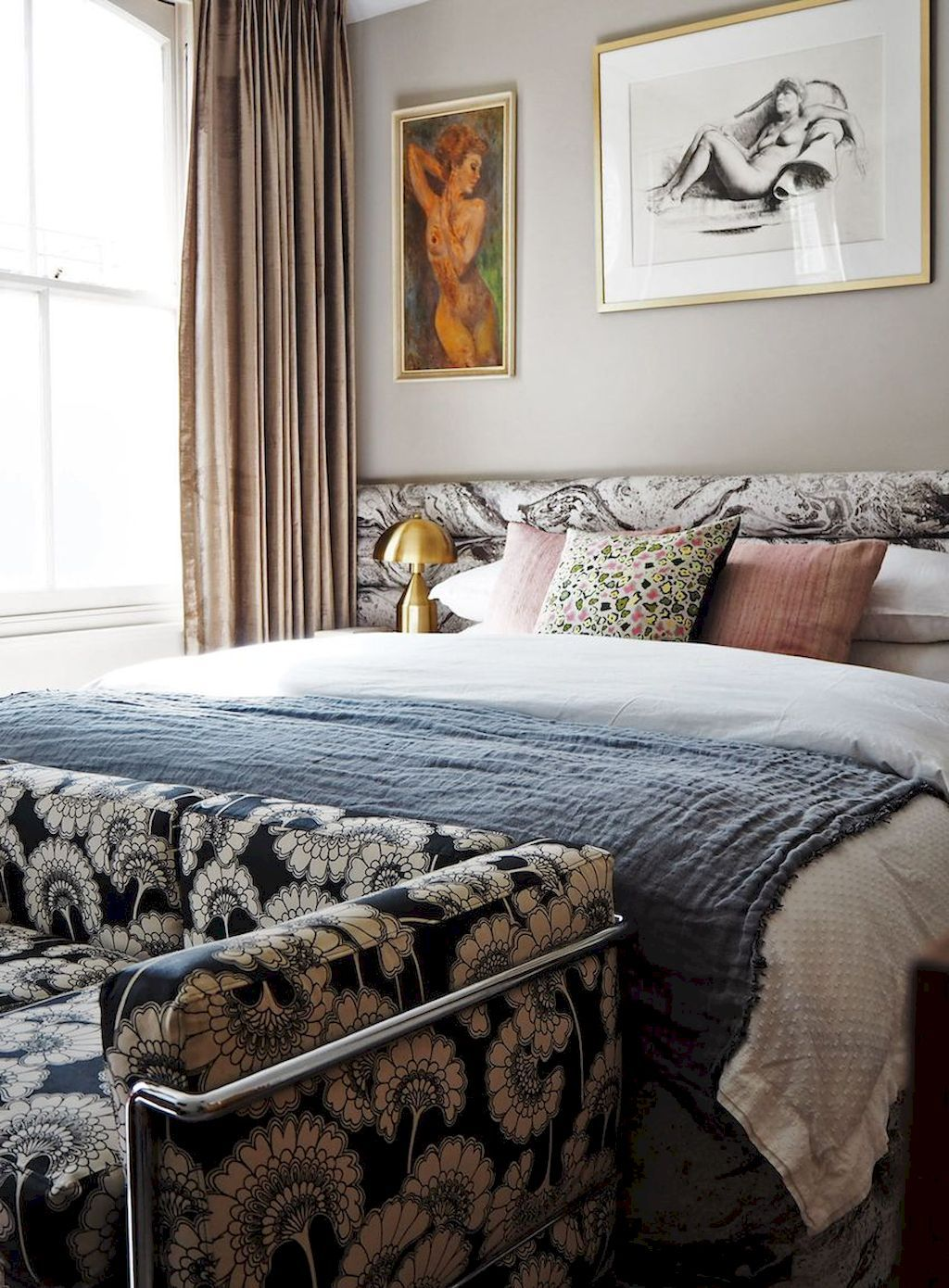 Easy Tricks to Make Cozy Decorations in Small Bedrooms | Elonahome.com