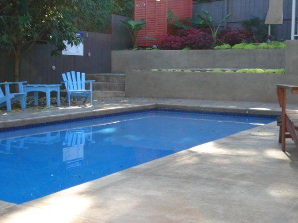 continuous concrete pool edging | Swimming Pool in 2019 | Concrete ...