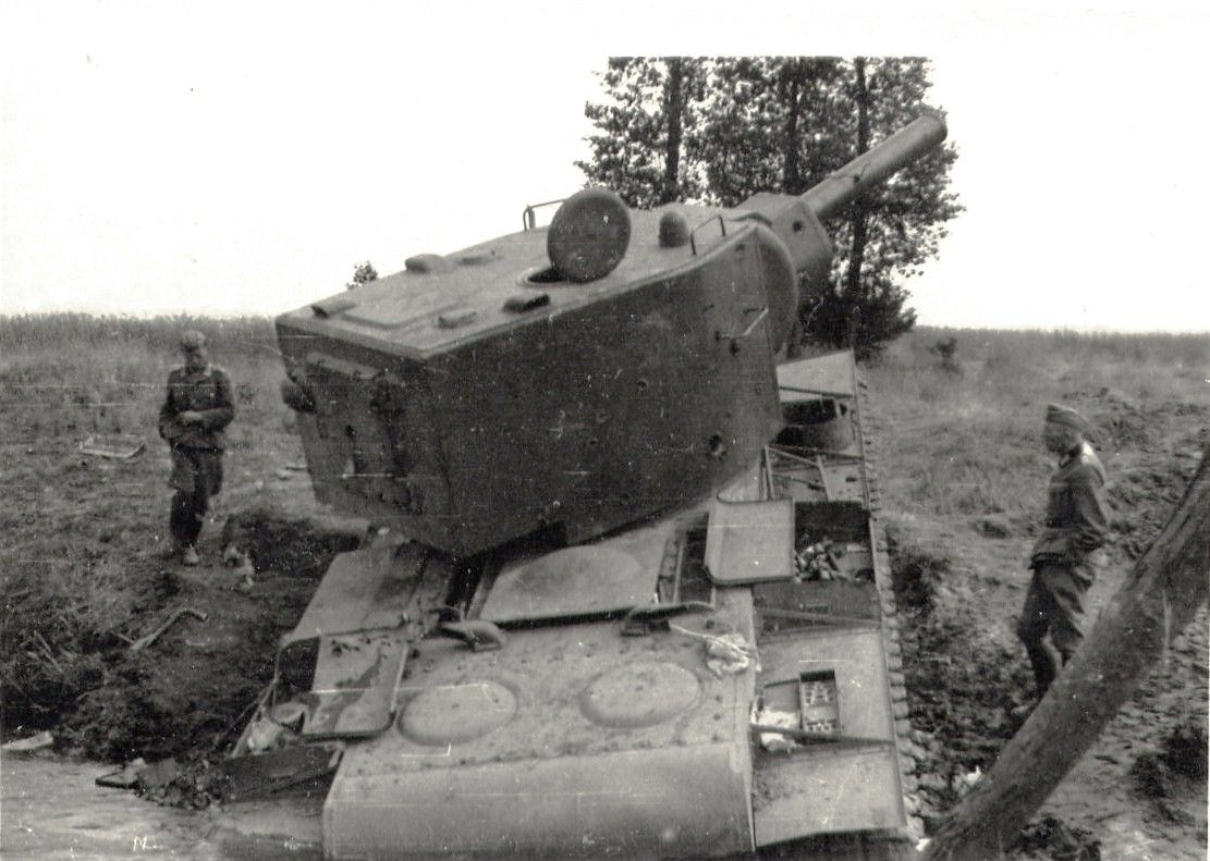 Destroyed Tanks Kv 2 Soviet Russian Tanks Abandoned And