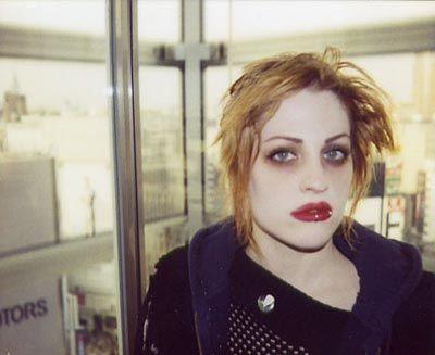 Brody Dalle 90s Grunge Makeup Grunge Makeup Makeup And Beauty Blog