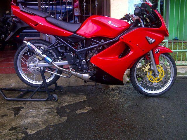 contoh modifikasi motor ninja r warna merah
