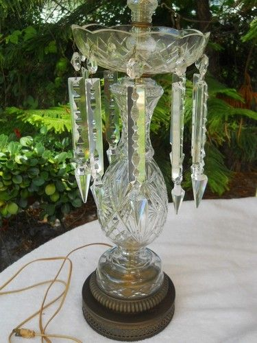 Elegant Antique Crystal Cut Gl Table Lamp With 10 Spear Tip Long Prisms
