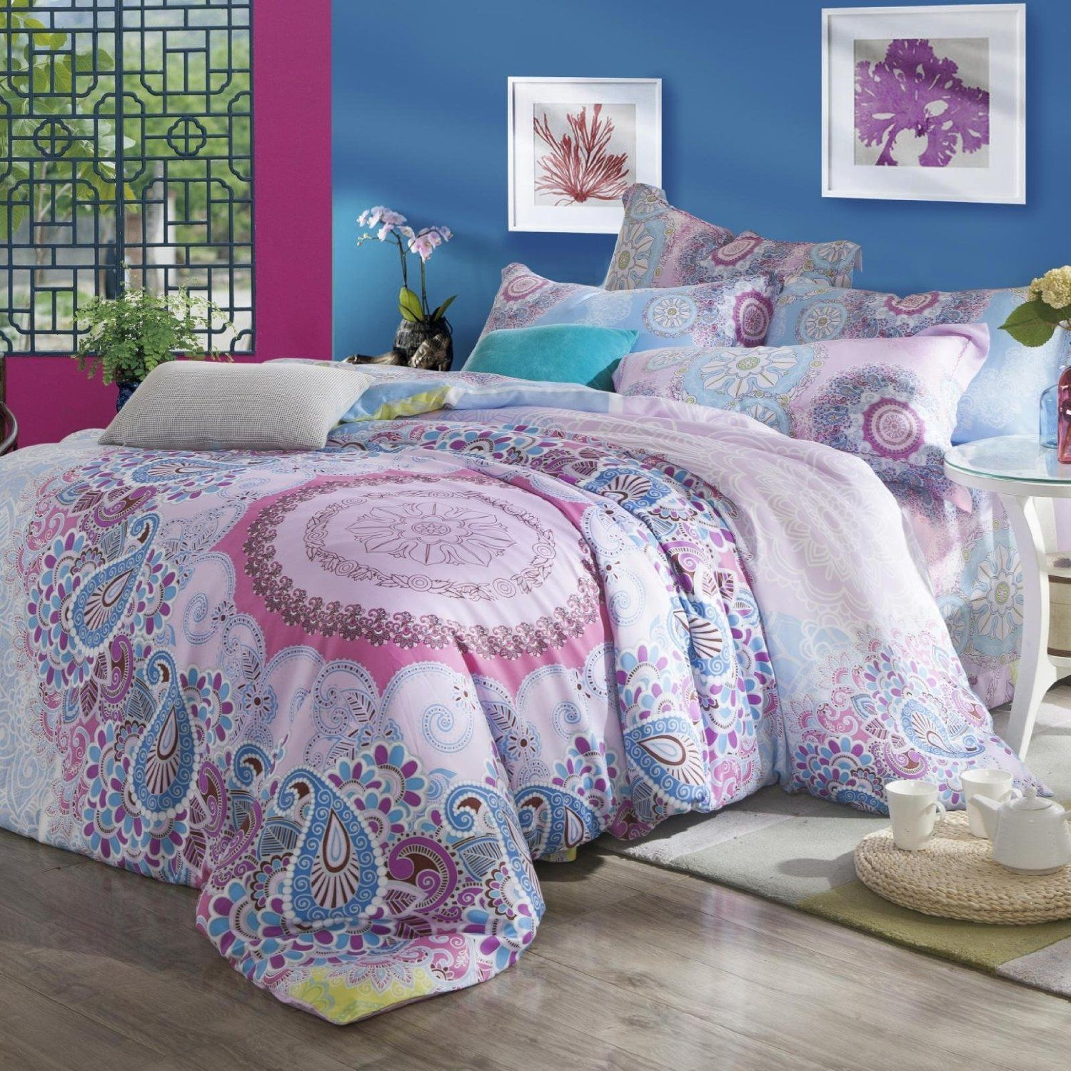 Beautiful Bohemian Comforter With Luxury Colors For