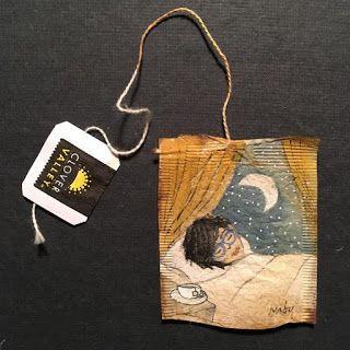 Artista cria belos desenhos minimalistas em saquinhos de chá usados