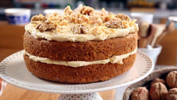 Fudgy walnut cake recipe pinterest walnut cake cake and fudge forumfinder Choice Image