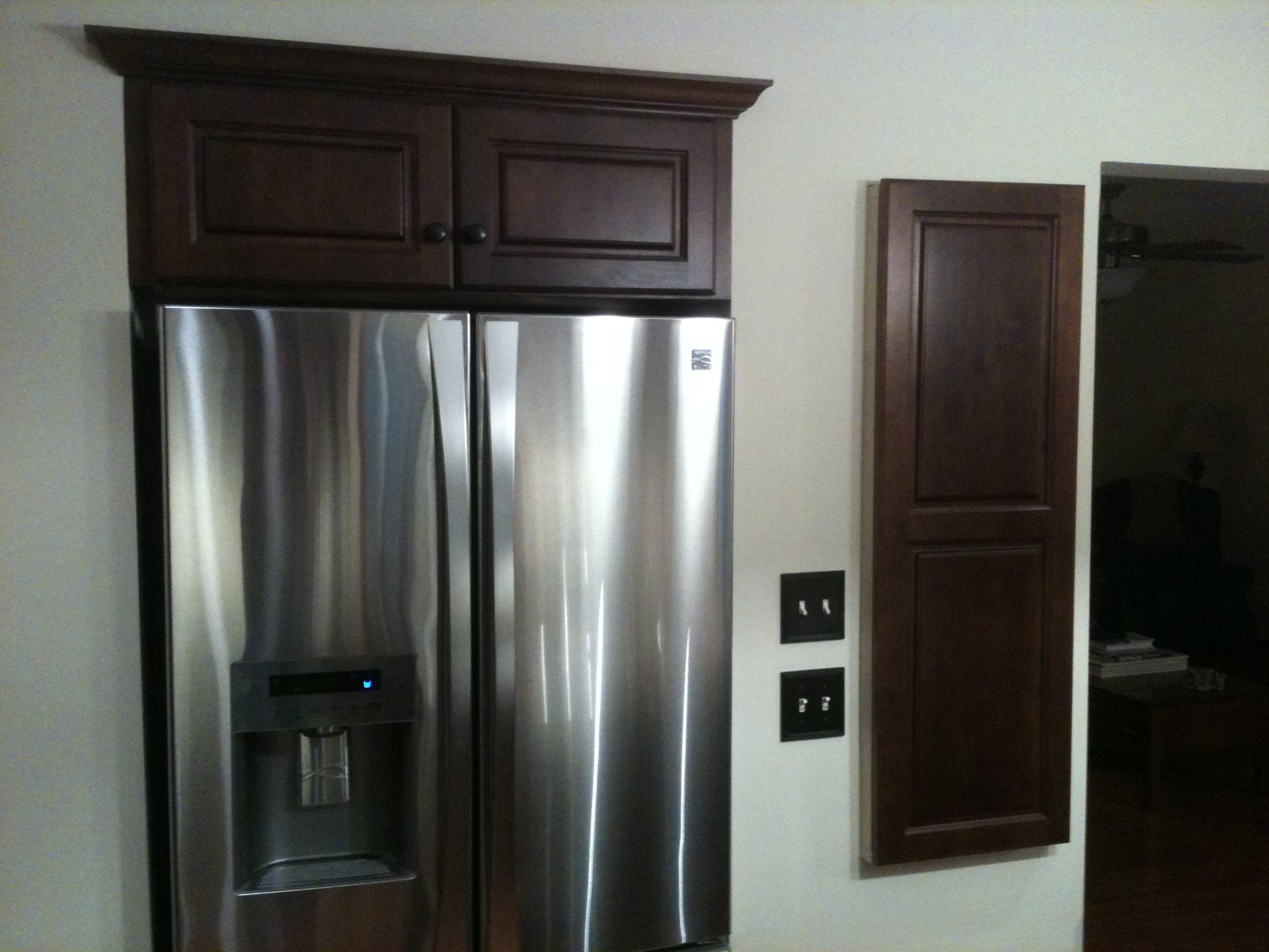 Recessed Fridge W Wall Cabinet Inset Above It