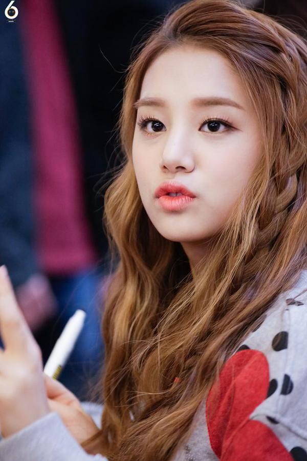 LABOUM-Solbin | Kpop girl groups. Kpop girls. Best face products
