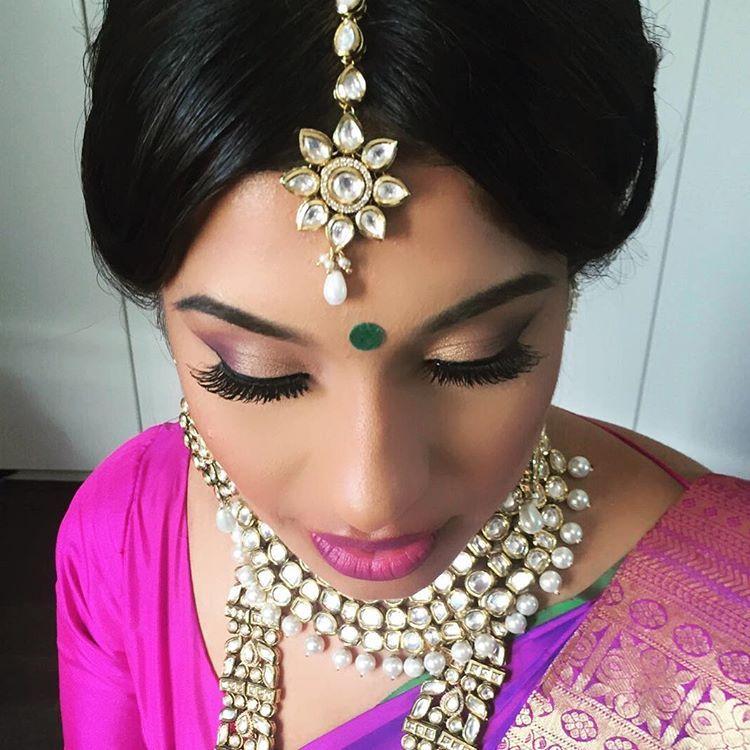 "166 likerklikk, 4 kommentarer – Kay's (@kaysmua) på Instagram: ""I can't get enough of this beautiful #sub #purple #hinduwedding #jewels #india #tarteist…"""
