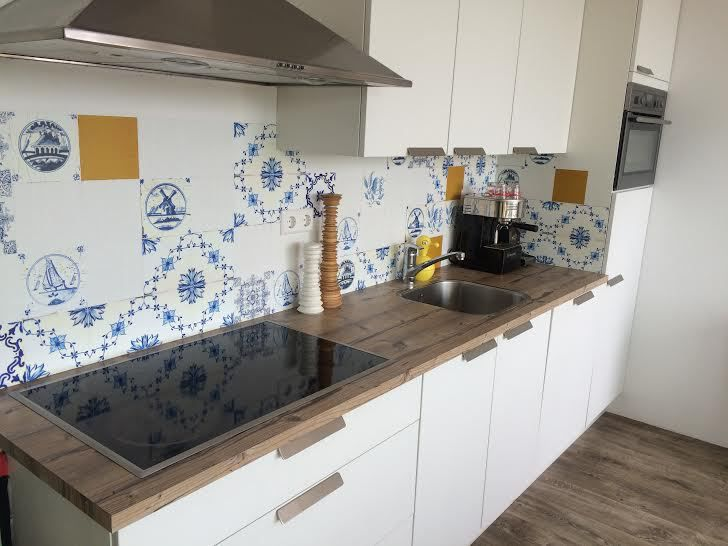kitchen walls garbage disposal kitchenwalls behangfabriek backsplash tiles golden age een