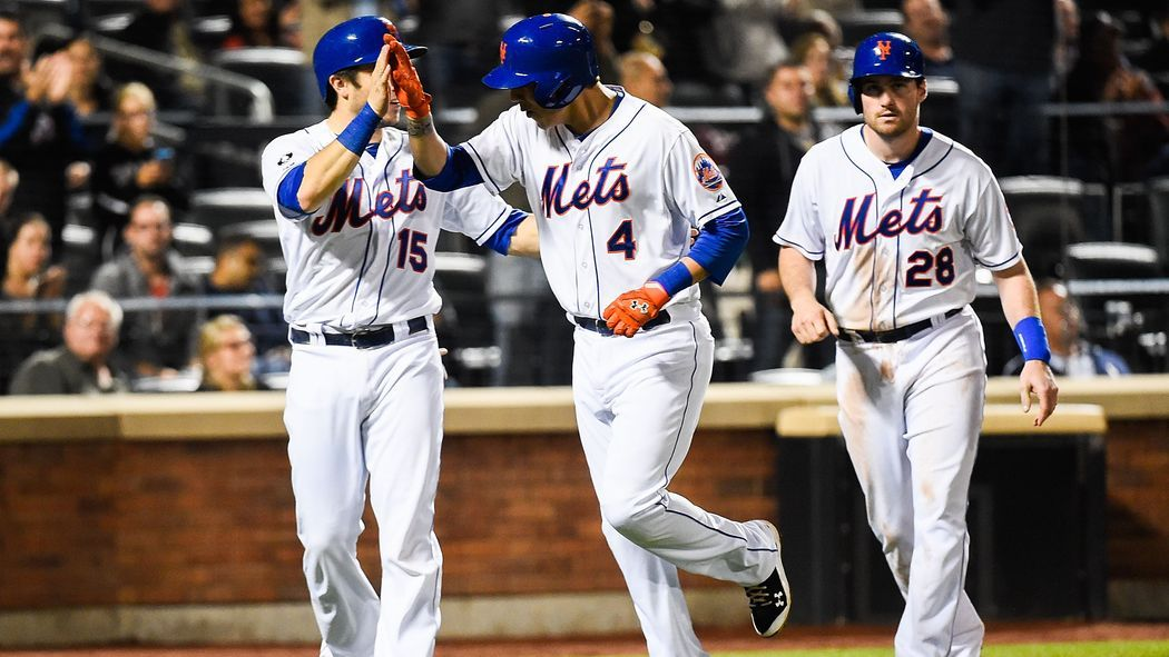 Mets are making a good bet by sticking with Flores in 2015