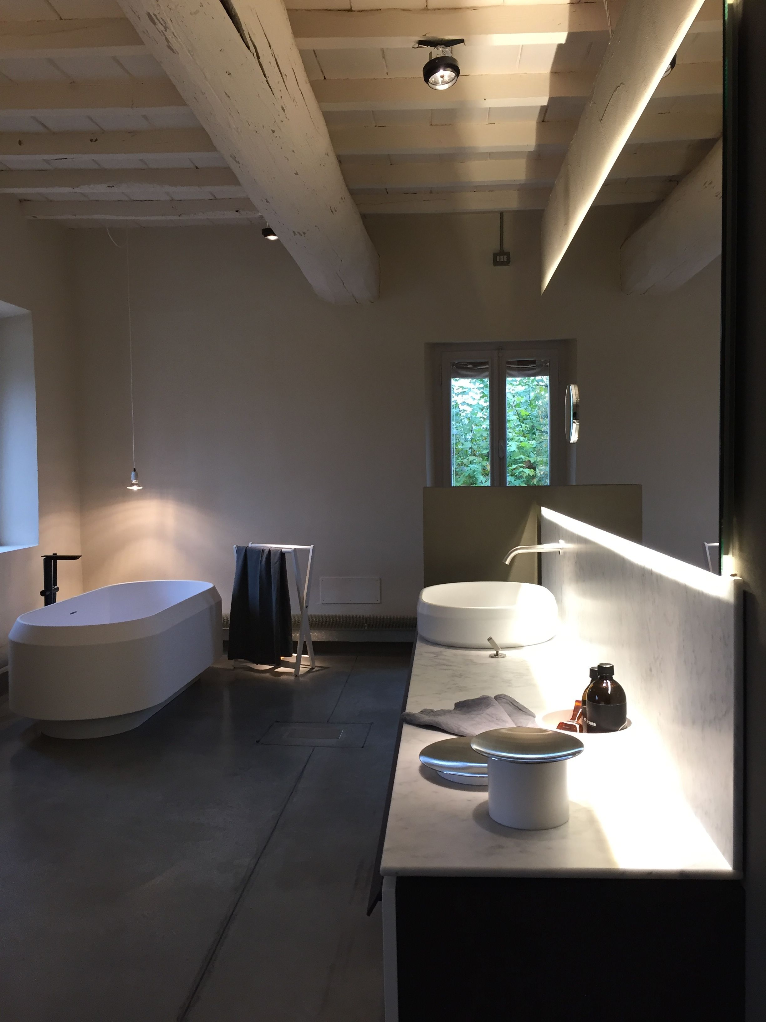 bathtub kitchen showroom ensuite bath at products kohler the bathroom
