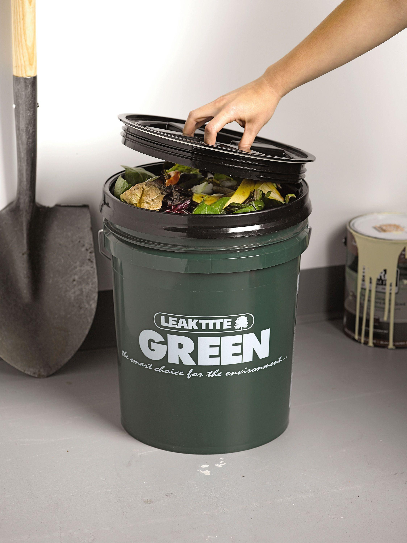 Kitchen Compost Bin Big Green Compost Bucket Gardeners Com