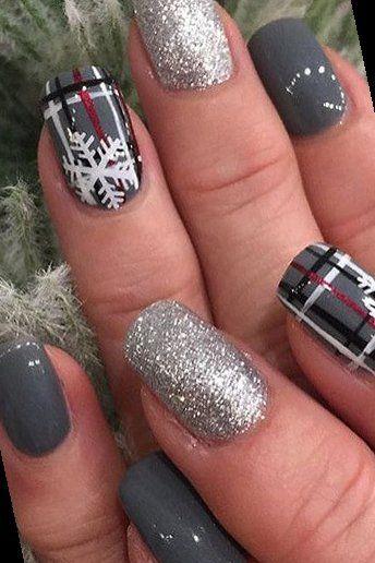 26+ Holiday Party Nail Inspiration | Holiday Nails