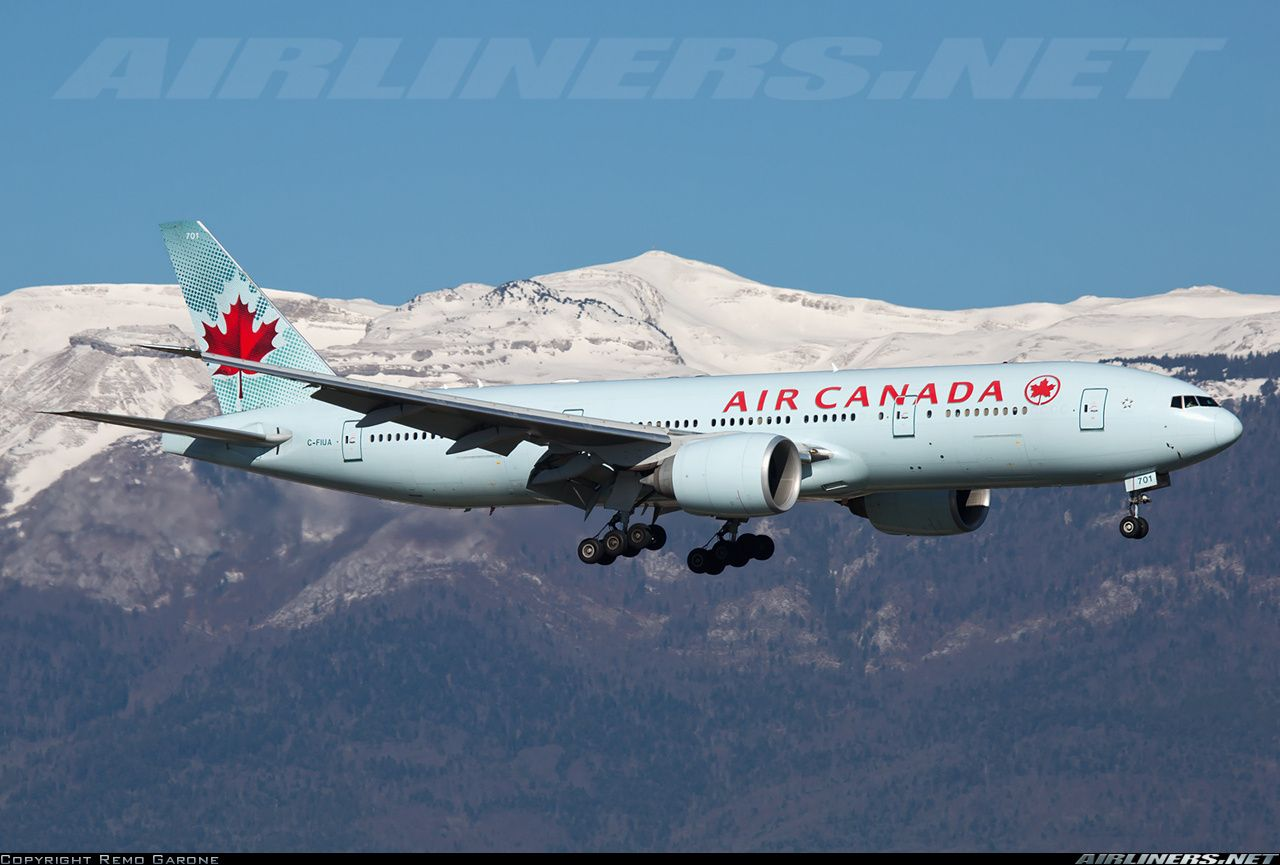 Air Canada C-FIUA Boeing 777-233/LR aircraft picture