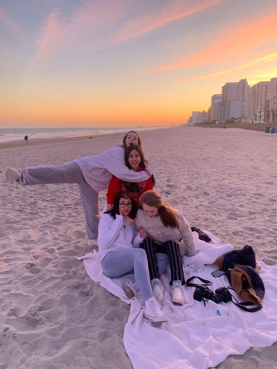 Vsco Photoshoot Ideas Girls Beach Trip Beach Girl Photos Beach Trip Girly beach vibes girly cute vintage