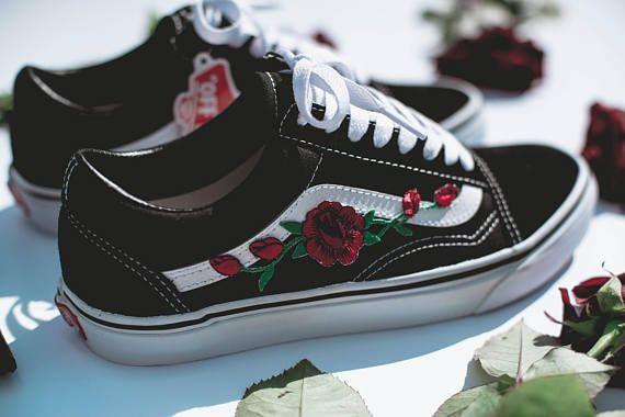 Vans Old Skool Sur Mesure Rose Patch Toutes Les Tailles Unisexe Sneaker Shoes Broderie De Haute Nike Air Force Lv Roses Fleurs Vans Old Skool Custom Vans Old Skool Vans