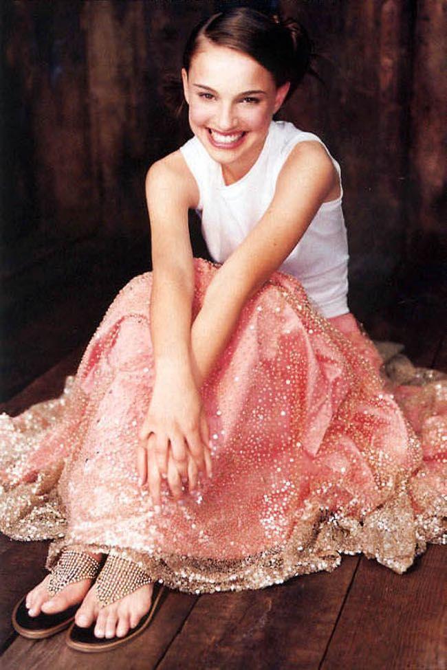 Natalie Portman Feet Pics Photo U1 650x975
