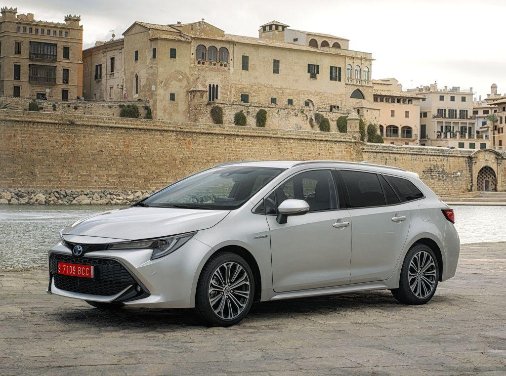 Toyota Corolla Touring Sports Hybrid [Worldwide] '2019