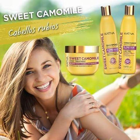 Η σειρά KATIVA SWEET CAMOMILE είναι ένα μείγμα από εκχύλισμα χαμομηλιού και μέλι, το οποίο αποκαθιστά το προστατευτικό στρώμα της τρίχας βοηθώντας να διατηρηθεί το ξανθό χρώμα στα μαλλιά ενώ ταυτόχρονα τα προστατεύει από την καθημερινότητα. Εχει σχεδιαστεί για να δώσει περισσότερη φωτεινότητα και λάμψη στα ξανθά μαλλιά και να ενισχύσει κάθε ίνα της τρίχας από το πρώτο λούσιμο. Τα αρώματα από χαμομήλι και το μέλι προσφέρουν μια πολυαισθητηριακή εμπειρία σε κάθε εφαρμογή.